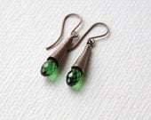 FREE Shipping*/ Swarovski Emerald Color Crystal and Antique Copper Earrings/ Handmade Earrings/ Emerald Crystal Earrings/ Crystal Earrings