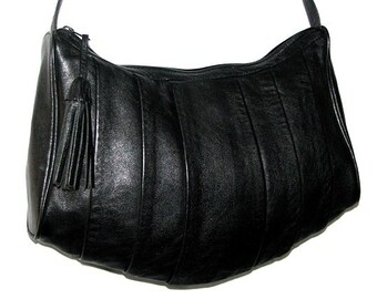 Vintage 80s 90s NICOLE Black Leather Shoulder Bag w/ Tassel