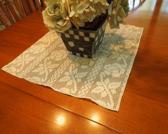 Vintage Off White Crochet Lace Dining Luncheon Tablecloth by MarlenesAttic
