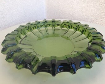 Vintage mid century large ashtray emerald green glass by Blenko 10""