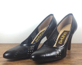 Vintage DeLiso Black Leather Pumps. Black Leather High Heels. Black Leather Stilettos. Cut Out Geometric Pattern. 80's Geometric Heels. Sz 4