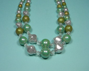 Vintage Classic 60s Green Two Strand Necklace