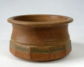 1980 FRED HAMANN Pottery Stoneware Faceted  BOWL Pot 6in Dia Matte Rust Glz Oregon Studio Artist Handmade Excellent Condition Vintage