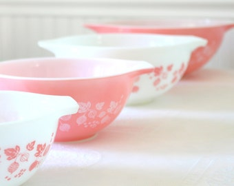 Pyrex Bowls, Mid Century Pyrex Mixing Bowl Set of 4, Pink Gooseberry Pattern, Cinderella Style, Ovenware, Made in USA, Bridal Shower