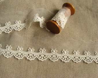 ivory lace trim , small cotton embroidered lace, scalloped lace with bows