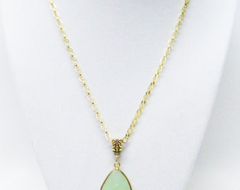 "Faceted Green Onyx Teardrop Pendant Necklace (19"")"