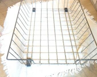 "Vintage wire office basket   11"" x 16"""