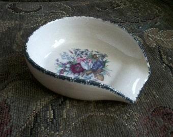 Pottery Scoop Dish