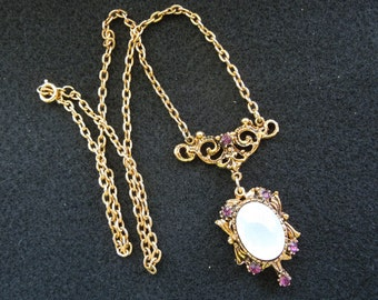 LJM Laurentian Jewellery Manufacturing, Montreal, Gold Tone Necklace and Pendant