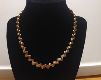 Vintage Goldtone Design Necklace