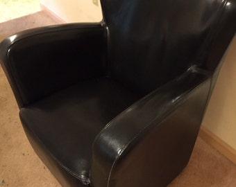 Leatherette reading chair mid century modern eames era