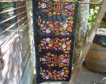 Green Velvet Floral Tehuantepec Liensa