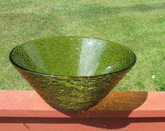 Vintage - Mid Century - Retro - Anchor Hocking Soreno Avocado Green Large Bowl - 4 Qt Salad