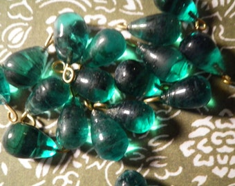 12 Glass Emerald Green Teardrop Beads with Loop