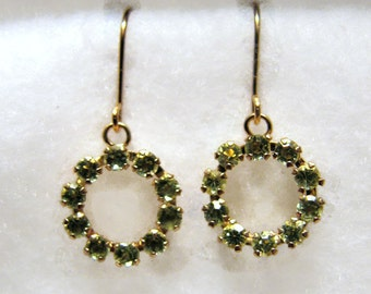 Vintage PERIDOT CIRCLE Earrings in 10k Yellow gold