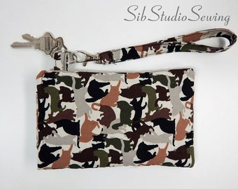 "Camo Cats Smartphone Wristlet, Fits iPhone 6, Smartphones up to 5.75"" x 3.5"", Camouflage Cats Cell Phone Pouch, Key Ring and Pocket"