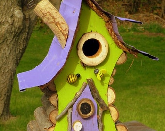 bird house, Birdhouse, new birdhouse, garden art,  a functional birdhouse in color options wth insulated hand hammered metal roof
