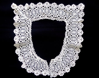 Vintage Lace collar Ivory