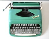 Vintage. Turquoise Green. Consul. Typewriter. from Czechoslovakia. Excellent condition (TY103)