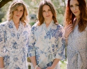Montana. 6 Custom bridesmaid robes or bridal party robes in white, cream and ivory cotton. Floral robes in botanical prints.