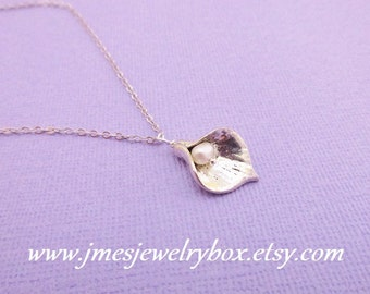 Silver calla lily necklace with freshwater pearl