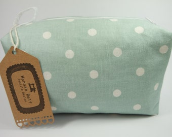 Large box makeup bag/ travel bag/ wash bag, made with cotton linen fabric and fully lined with water resistant fabric