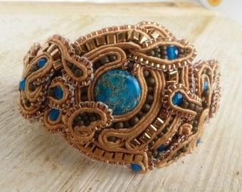 Ariel. Handmade soutache bracelet. Vegan friendly.
