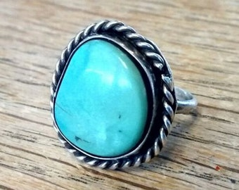 Vintage Navajo Turquoise Blue-Green Silver Ring - Size 8 / UK: P