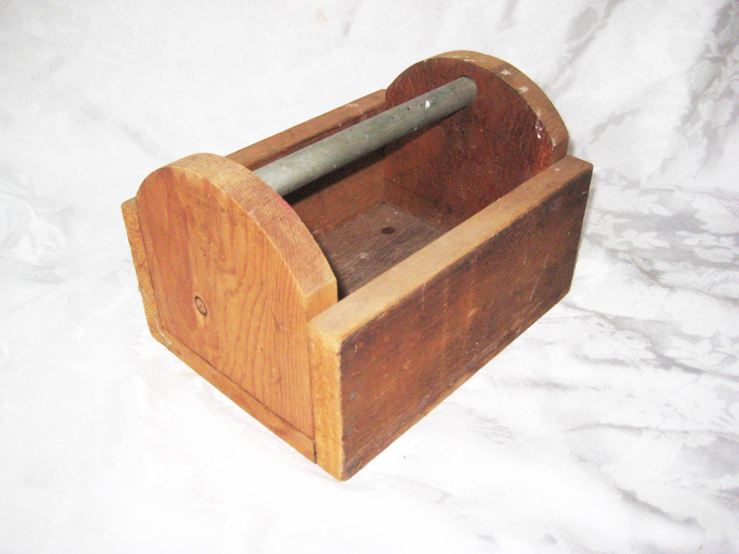 Small wood tool box tool carrier metal handle by for Small garden tool carrier