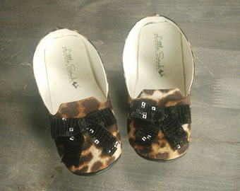 Leopard Loafers, Toddler Shoes, Kids Shoes, Little Girls Shoes, Sequin Bow, Girls Shoes, Slip-on Shoes, Toddler Flats, Soft Soled Shoes