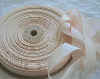 "Seam Binding Ribbon, 5/8"" PALEST BLUSH"