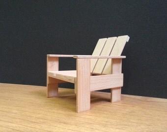 Gerrit rietveld rouge bleu chaise r plique par minimodels for Replique mobilier design