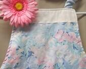 Girls Apron -Aprons -Girls Cute apron -Flowers -Girls Craft apron - Girls Pink apron- Handmade-Fits size 4 -8