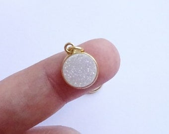 Gold Vermeil Bezel Charm with Druzy Rainbow Stone  -- 1 Piece -- 11mm Pendant