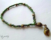 Sale Anklet, Gorgeous Green Czech Beads. Solid Brass Cubes with a Brass Sea Shell Charm by Azulcelest