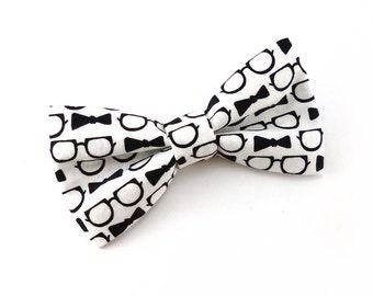 Black and white clip on bow tie – eye glasses and bowtie hipster print cotton fabric – mens or womens adult size – nerd wedding bow tie