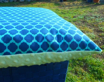 Minky Snuggle Pet Pillow Bed with Moroccan Print