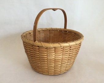 basket with wooden handle and bottom
