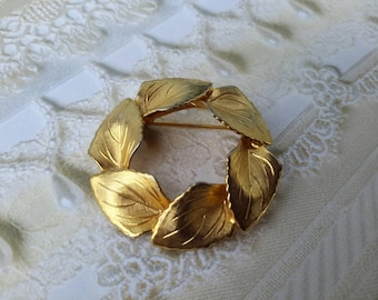 vintage brooch pin jewelry costume