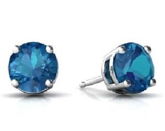 14Kt White Gold London Blue Topaz Round Stud Earrings