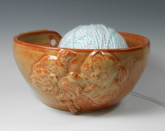 Red gold pottery yarn bowl with kittens - ceramic yarn bowl - red gold yarn bowl - Kittens yarn bowl - knitting yarn bowl Y23