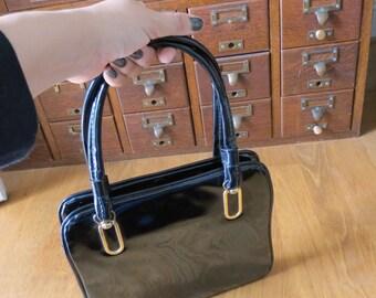black patent leather purse vintage 60s 70s Mod handbag