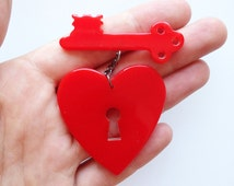 Key To My Heart Brooch - Red
