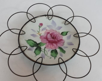 Wire Trimmed Rose Plate