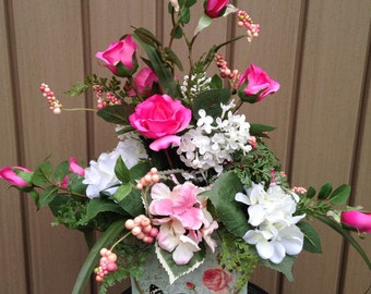 LOVE BLOOMS -Two-Sided Spring / Summer Tabletop Arrangement