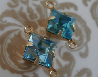 Vintage Aquamarine Blue Square 8mm Swarovski Crystals ~ 4 Pieces ~ 2 Ring Prong Setting ~ Gold Tone Brass Setting ~ Foil Back ~ Size 8mm