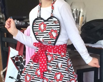 Hello kitty Heart Apron /Dress