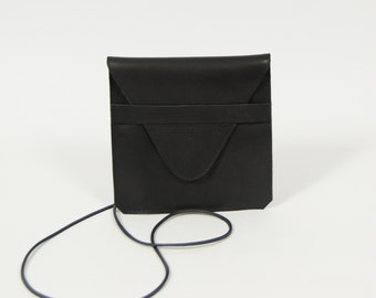 Jil - black leather purse