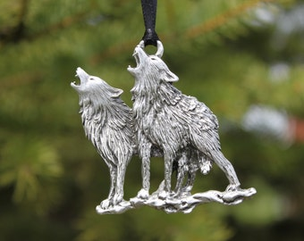 Hand Made Lead Free Pewter Wolves Ornament decoration Wolf Pair Howling gift Made in Michigan United States Free Shipping
