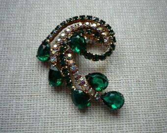 Vintage Emerald Green & Clear Rhinestone Swirl Silver Tone Brooch Pin
